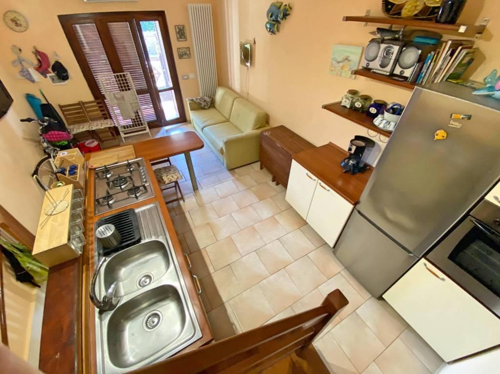 Appartamento in ottime condizioni arredato in vendita Rif. 9191832
