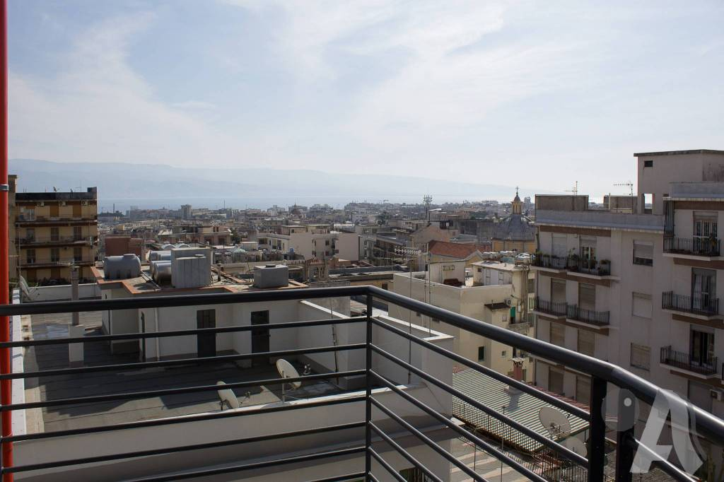 Appartamento in vendita a Messina, 3 locali, prezzo € 180.000 | CambioCasa.it
