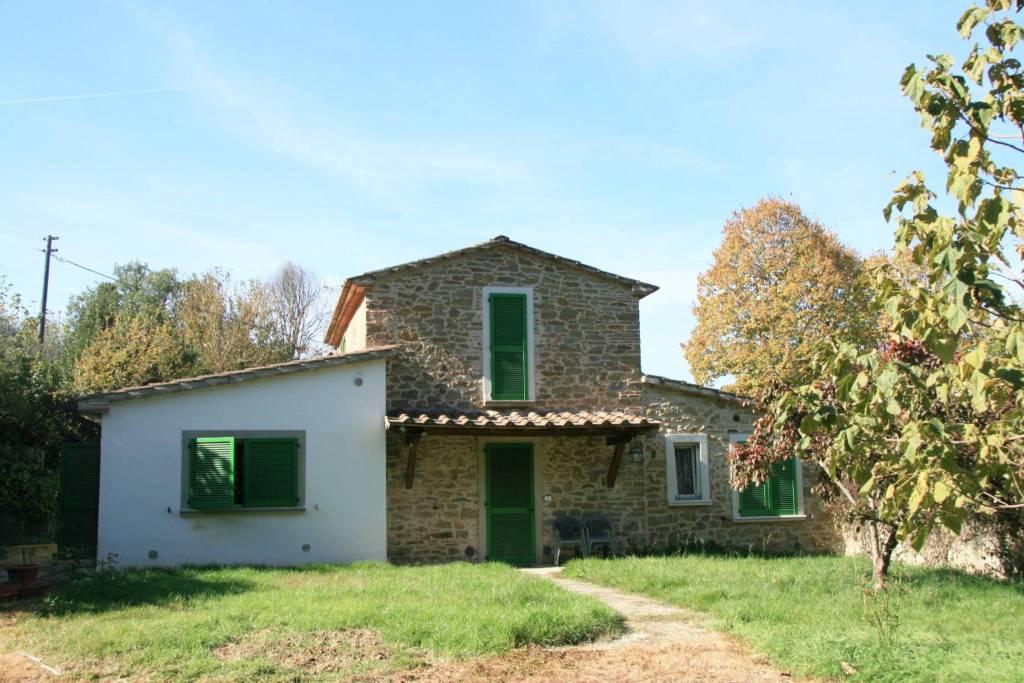 Rustico in Vendita a Arezzo: 5 locali, 135 mq