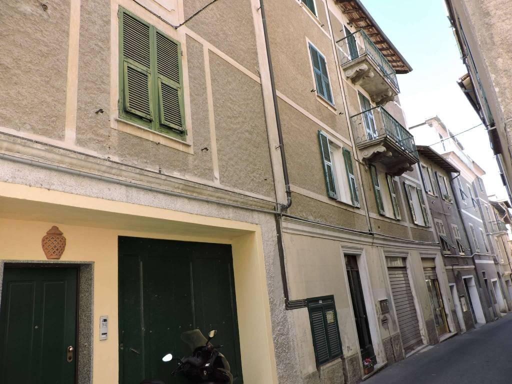 Appartamento in vendita a Voltaggio, 4 locali, prezzo € 80.000   CambioCasa.it