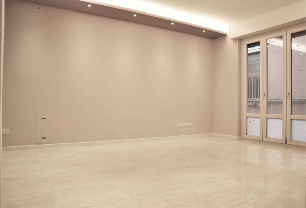 Appartamento in Vendita a Parma Centro: 2 locali, 71 mq