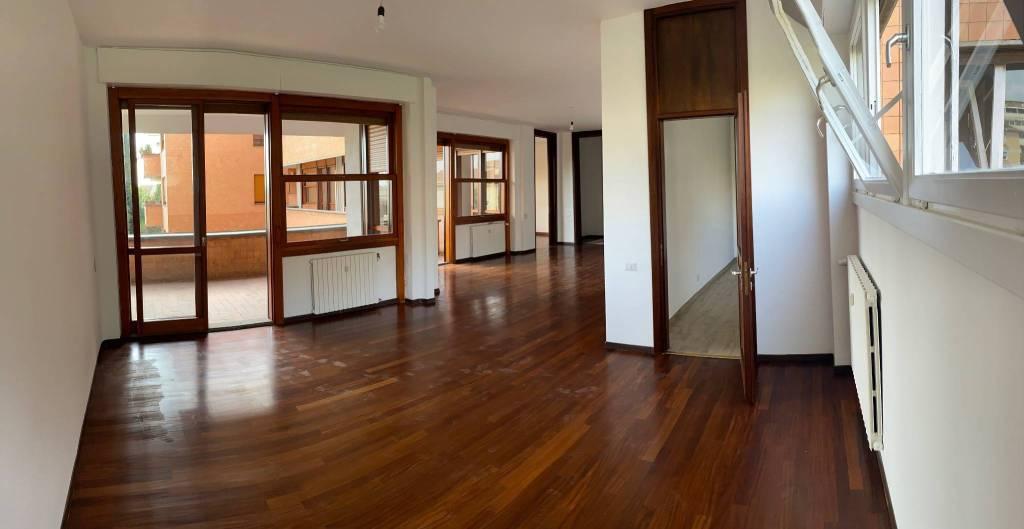 Appartamento in affitto a Roma, 5 locali, prezzo € 3.000   CambioCasa.it