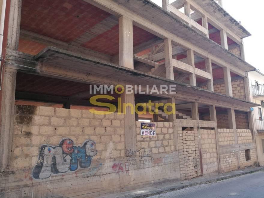 Soluzione Indipendente in vendita a Catenanuova, 18 locali, prezzo € 259.000 | CambioCasa.it
