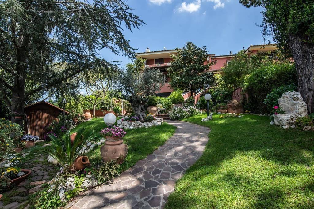 Villa in vendita a Roma, 5 locali, zona Zona: 37 . Morena - Ciampino - Trigoria - Falcognana, prezzo € 450.000 | CambioCasa.it