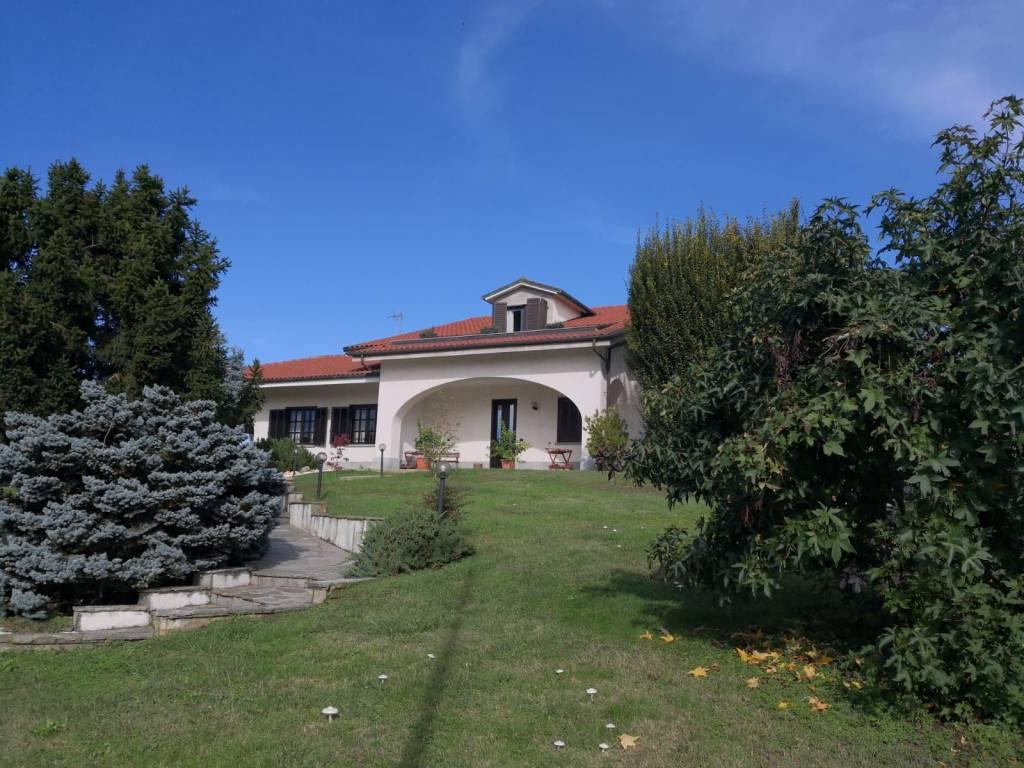 Foto 1 di Villa via Roma 29, Riva Presso Chieri