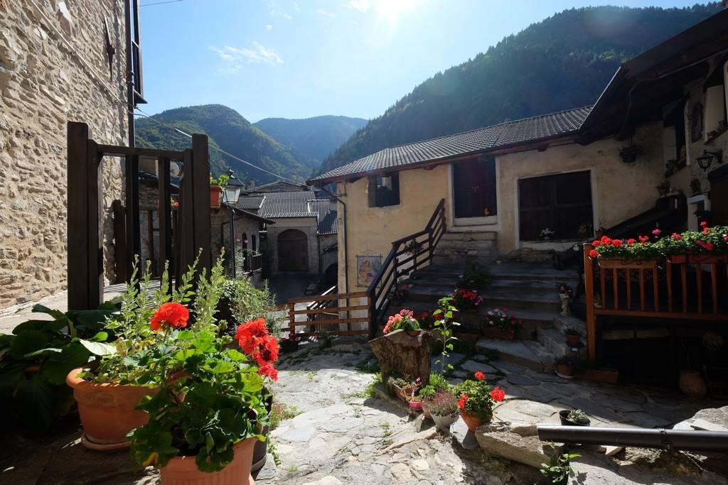 Albergo in vendita a Stroppo, 6 locali, prezzo € 320.000 | PortaleAgenzieImmobiliari.it