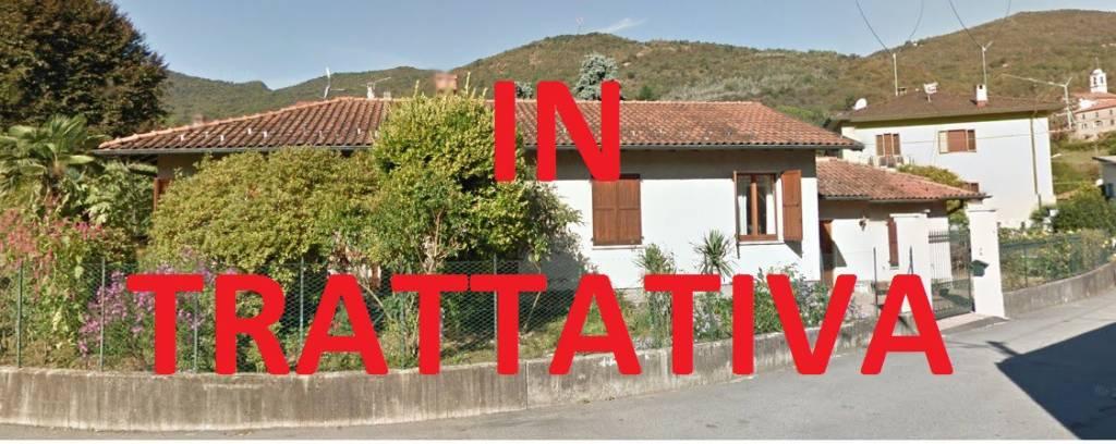 Villa in vendita a Cuasso al Monte, 4 locali, prezzo € 255.000 | CambioCasa.it