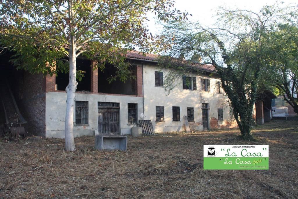 Rustico / Casale in vendita a San Paolo Solbrito, 6 locali, prezzo € 110.000 | CambioCasa.it