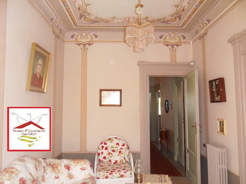 Soluzione Indipendente in vendita a Trecchina, 15 locali, prezzo € 280.000 | PortaleAgenzieImmobiliari.it