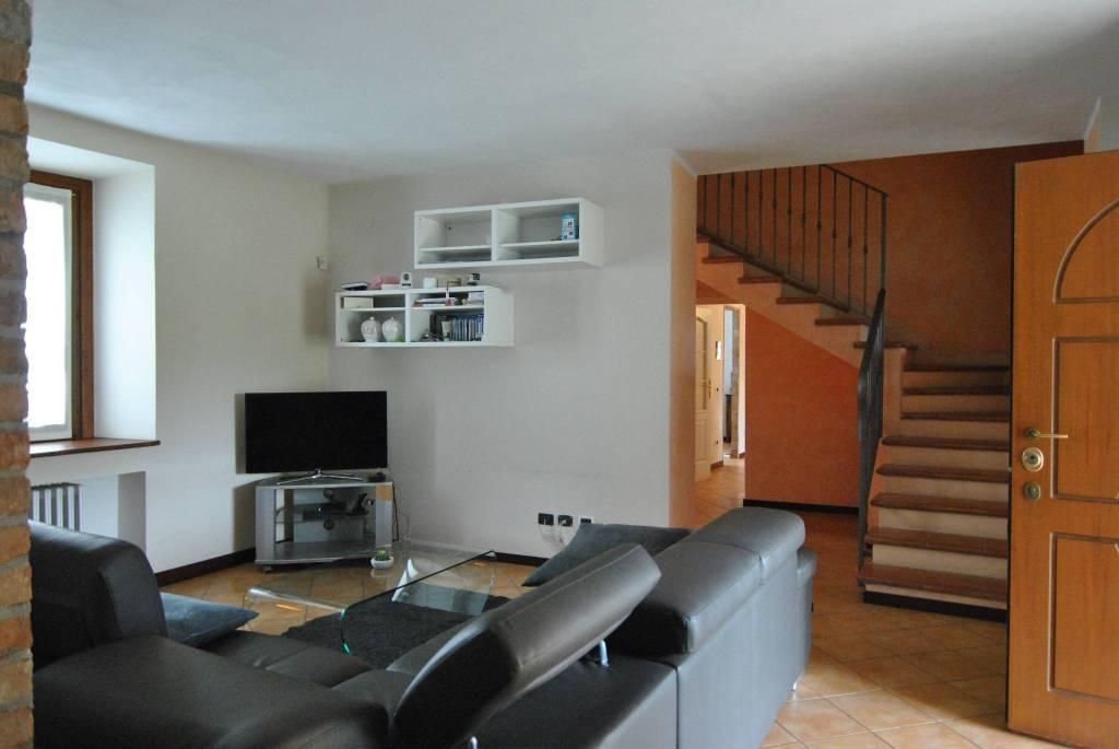 Villa in vendita a Novi Ligure, 6 locali, prezzo € 230.000 | PortaleAgenzieImmobiliari.it