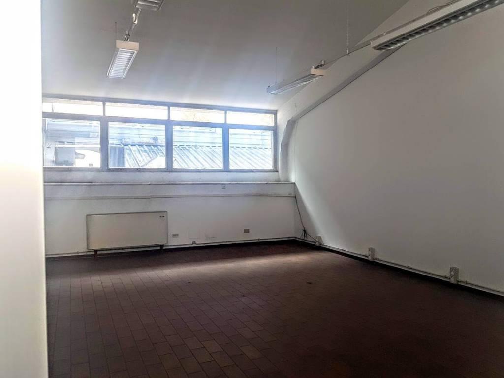 Ufficio / Studio in vendita a Asti, 6 locali, prezzo € 270.000 | PortaleAgenzieImmobiliari.it