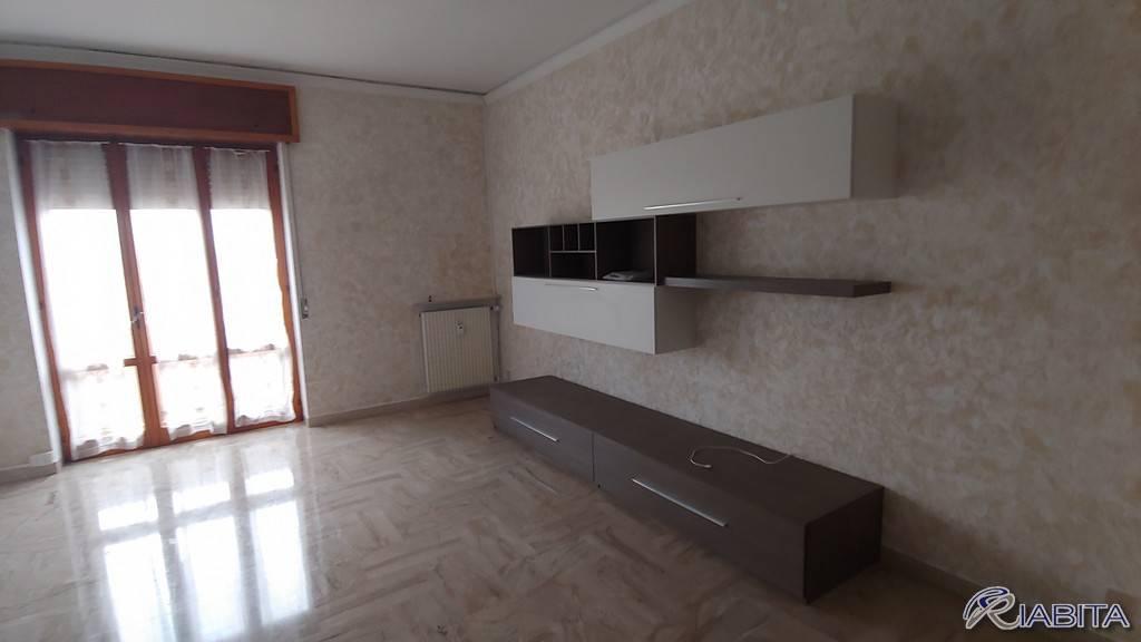 Appartamento in Affitto a Piacenza Centro: 3 locali, 95 mq