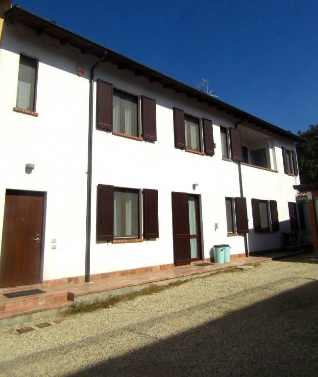 Appartamento in vendita a Sannazzaro de' Burgondi, 3 locali, prezzo € 100.000 | CambioCasa.it