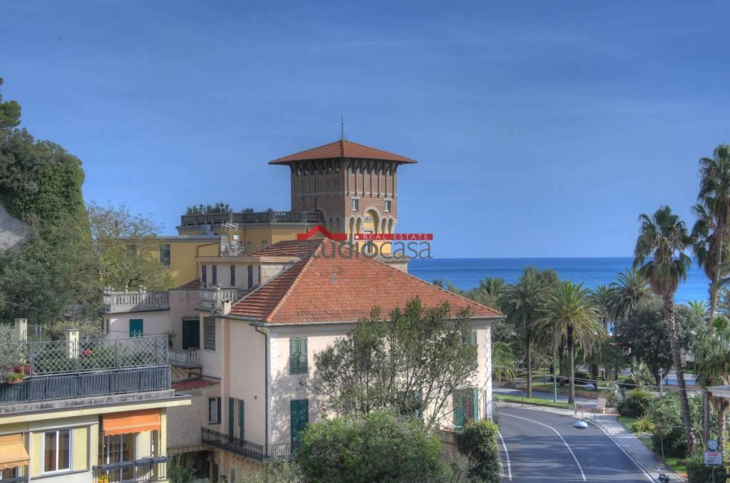 Appartamento in vendita a Finale Ligure, 3 locali, prezzo € 342.000 | CambioCasa.it