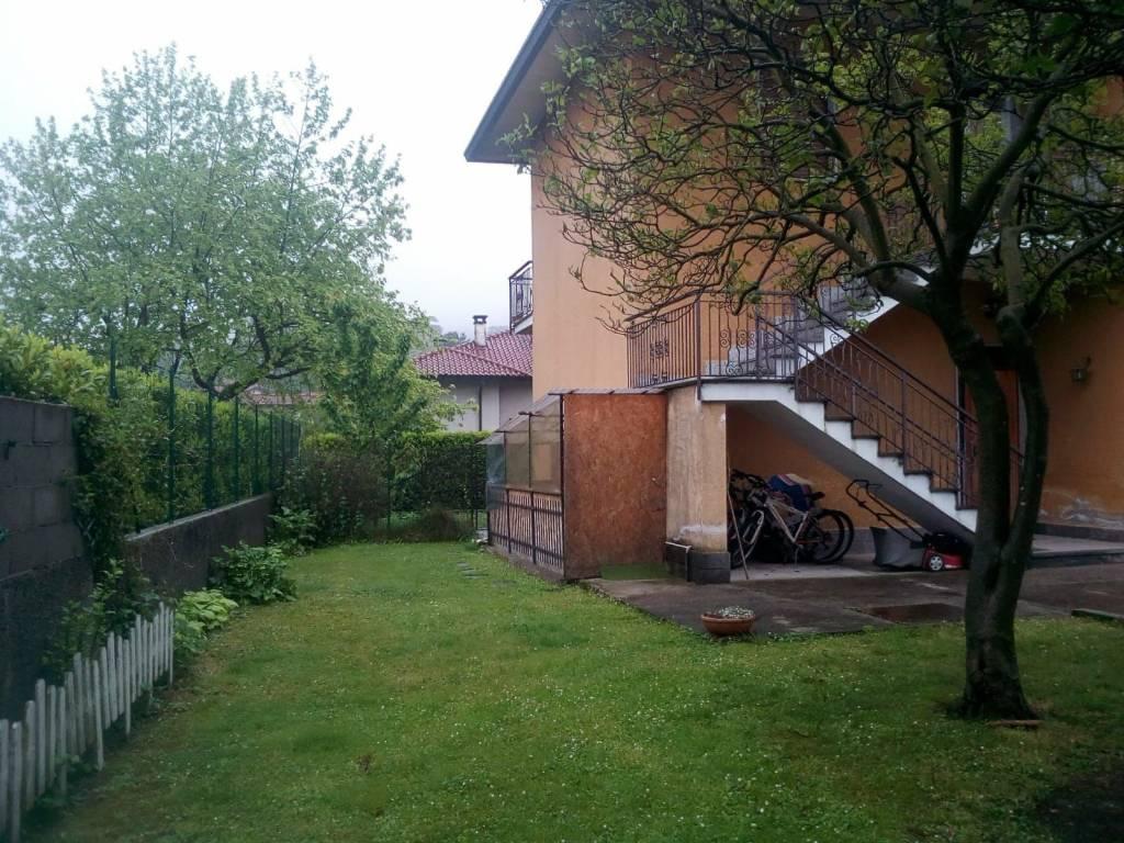 Appartamento in vendita a Travedona-Monate, 5 locali, prezzo € 145.000 | PortaleAgenzieImmobiliari.it