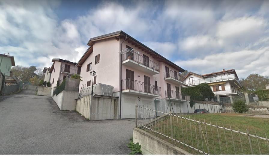 Appartamento in vendita a Arcisate, 2 locali, prezzo € 115.000 | CambioCasa.it