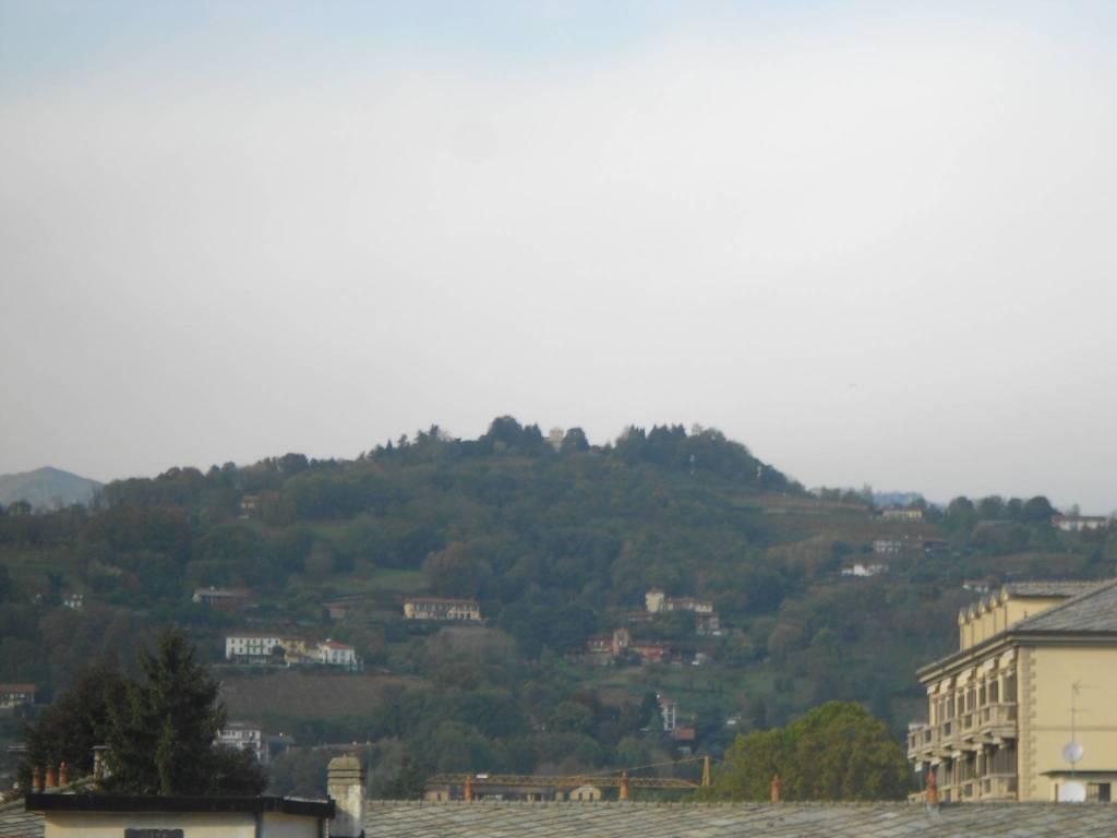 Foto 1 di Trilocale via Enrico Cravero, Pinerolo