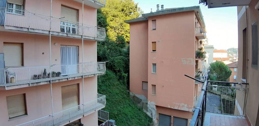 Foto 1 di Trilocale via Alcide De Gasperi, Genova (zona Quarto)