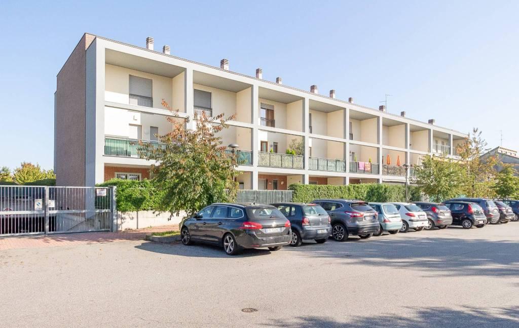 Appartamento in vendita a Bareggio, 2 locali, prezzo € 150.000   PortaleAgenzieImmobiliari.it