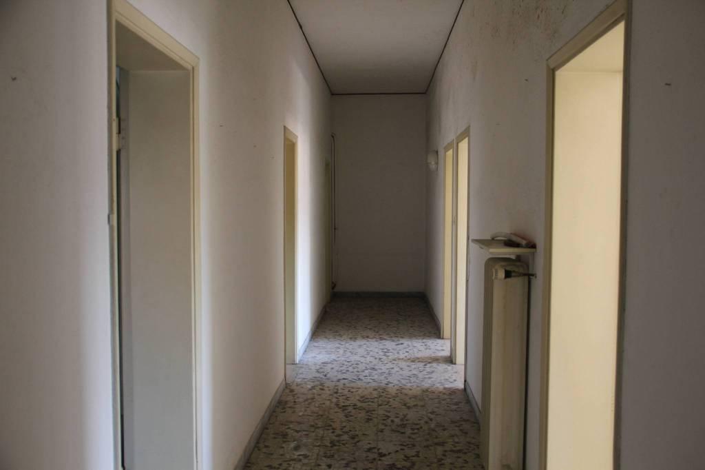 Appartamento in Vendita a Savignano Sul Rubicone Centro: 5 locali, 140 mq