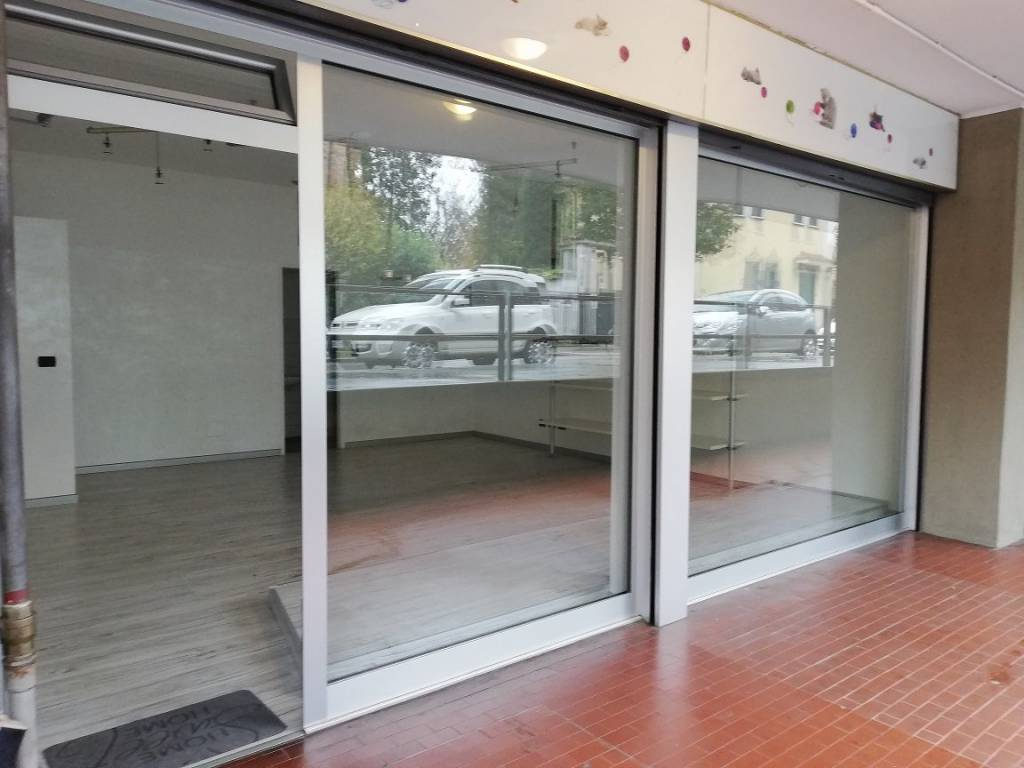 Negozio / Locale in vendita a Novate Milanese, 1 locali, prezzo € 85.000 | CambioCasa.it