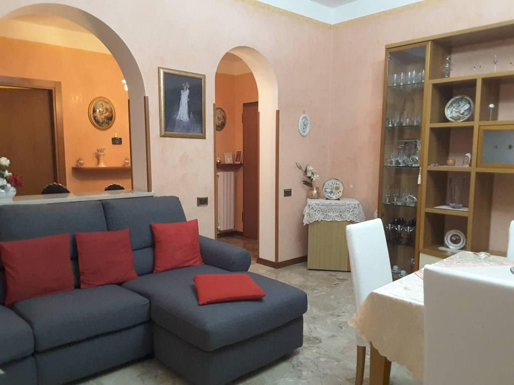 Appartamento in Vendita a Ravenna Semicentro: 5 locali, 115 mq