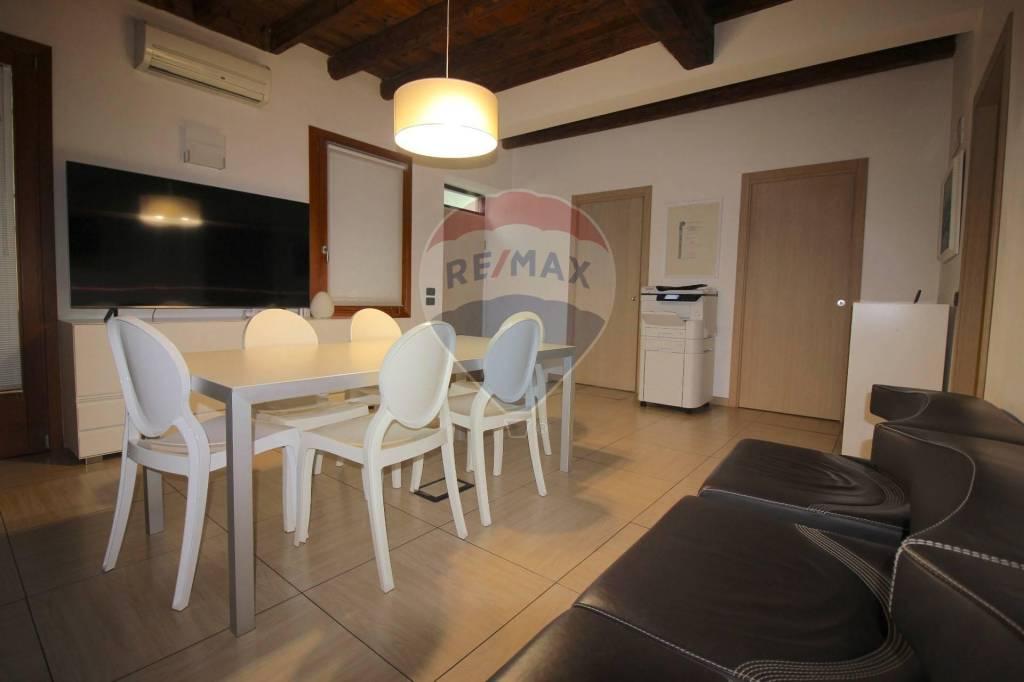Appartamento in vendita a Vicenza, 4 locali, prezzo € 250.000 | CambioCasa.it
