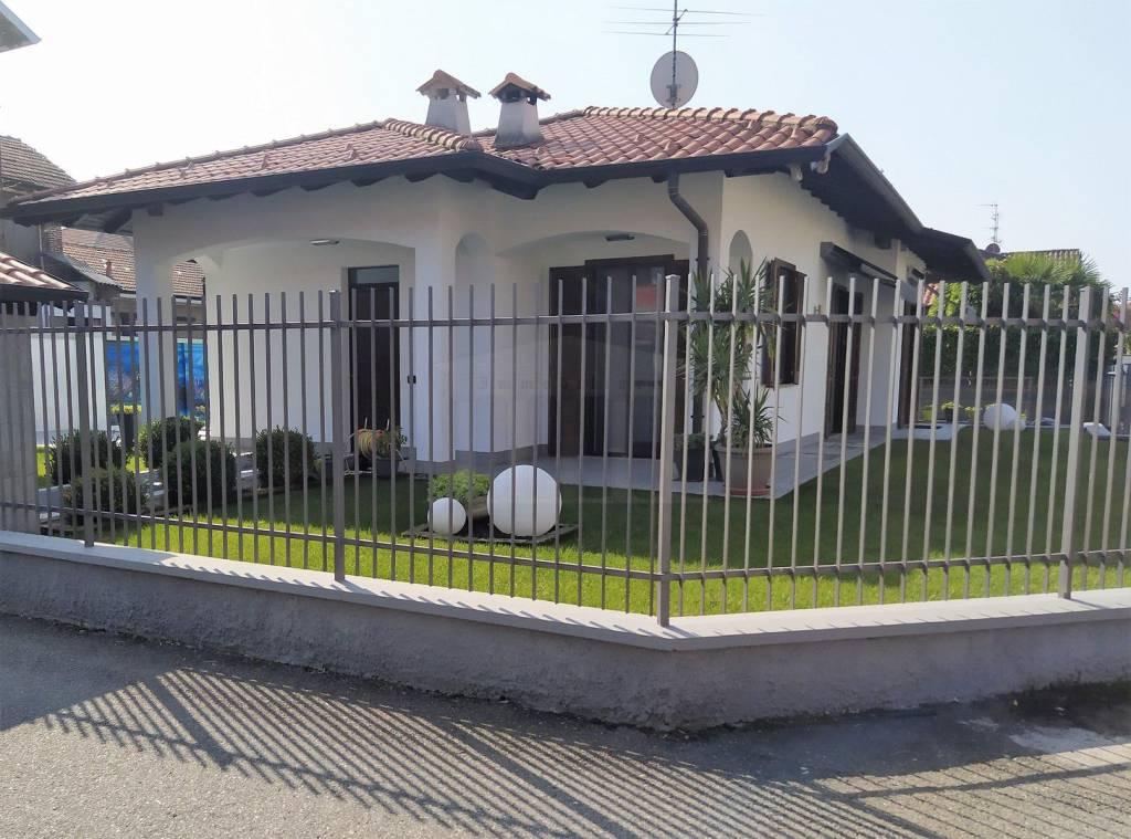Villa in vendita a Lonate Pozzolo, 5 locali, prezzo € 330.000 | CambioCasa.it