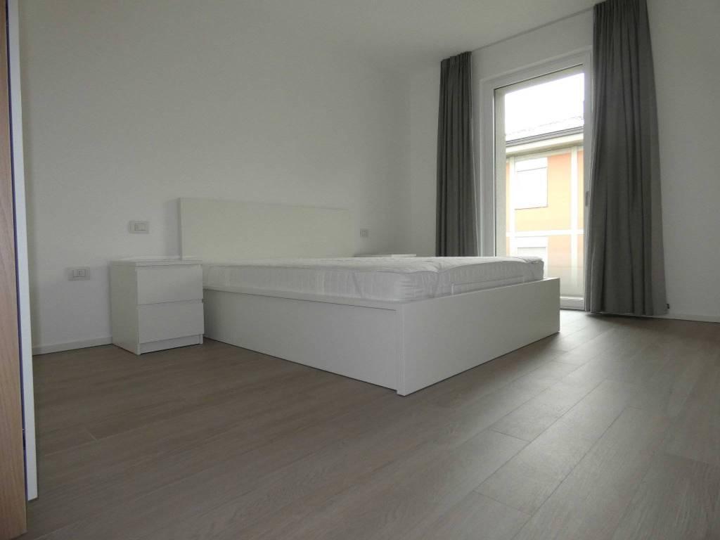 Appartamento in ottime condizioni parzialmente arredato in affitto Rif. 6053377