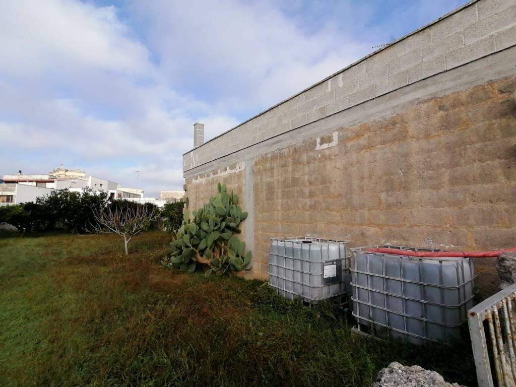 Rustico in Vendita a Uggiano La Chiesa: 2 locali, 284 mq