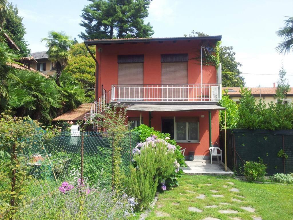 Appartamento in vendita a Lesa, 6 locali, prezzo € 190.000 | PortaleAgenzieImmobiliari.it