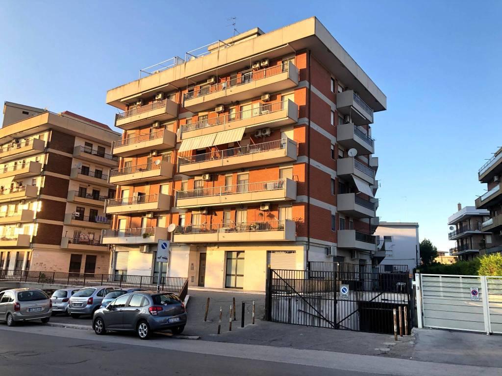 Appartamento in Affitto a Foggia Periferia: 3 locali, 76 mq