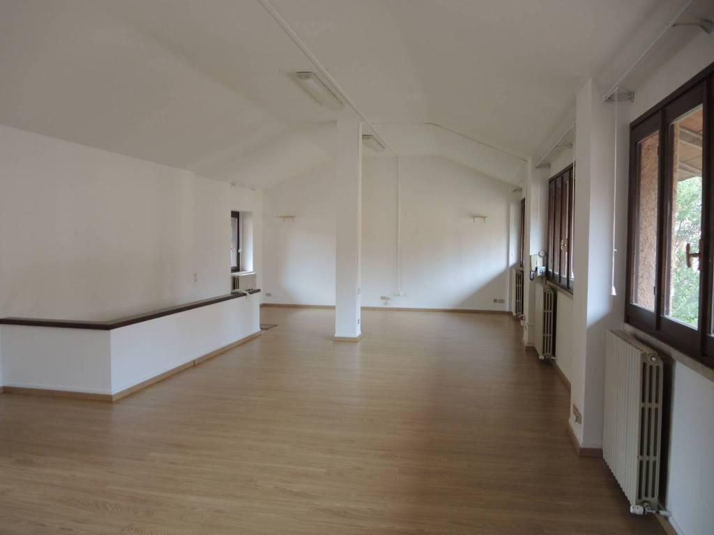 Ufficio / Studio in affitto a Tradate, 2 locali, prezzo € 600 | PortaleAgenzieImmobiliari.it
