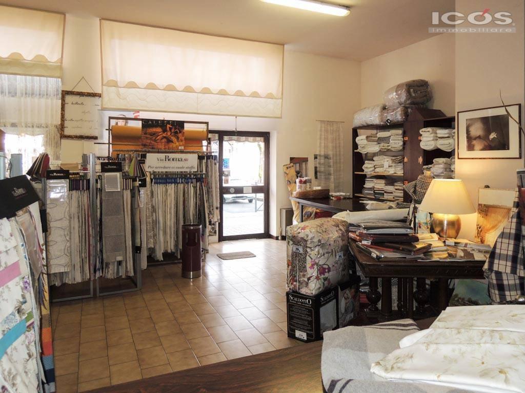 Negozio / Locale in vendita a Novara, 2 locali, prezzo € 290.000 | CambioCasa.it