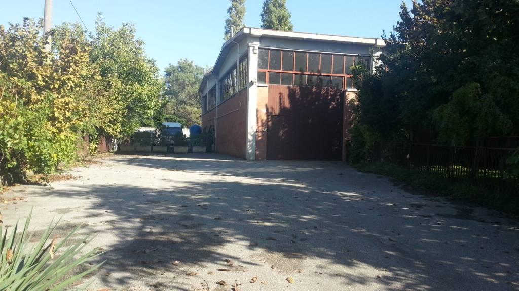Capannone in Affitto a Castenaso: 1 locali, 260 mq