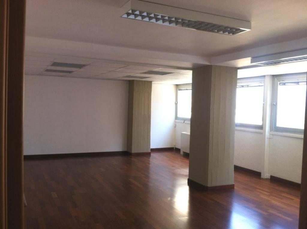 Ufficio-studio in Vendita a Palermo Centro: 5 locali, 550 mq