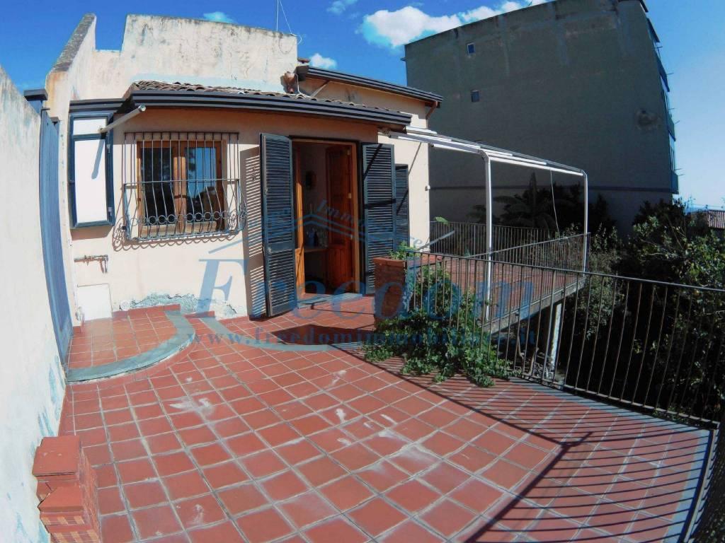 Villa in Vendita a Catania Centro: 4 locali, 130 mq