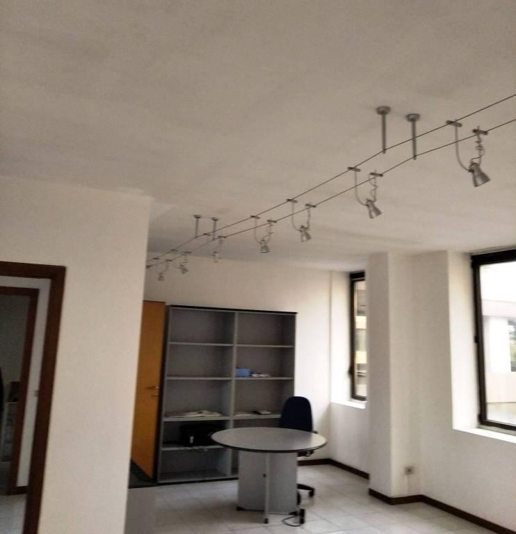 Ufficio / Studio in affitto a Castellanza, 1 locali, prezzo € 600 | PortaleAgenzieImmobiliari.it