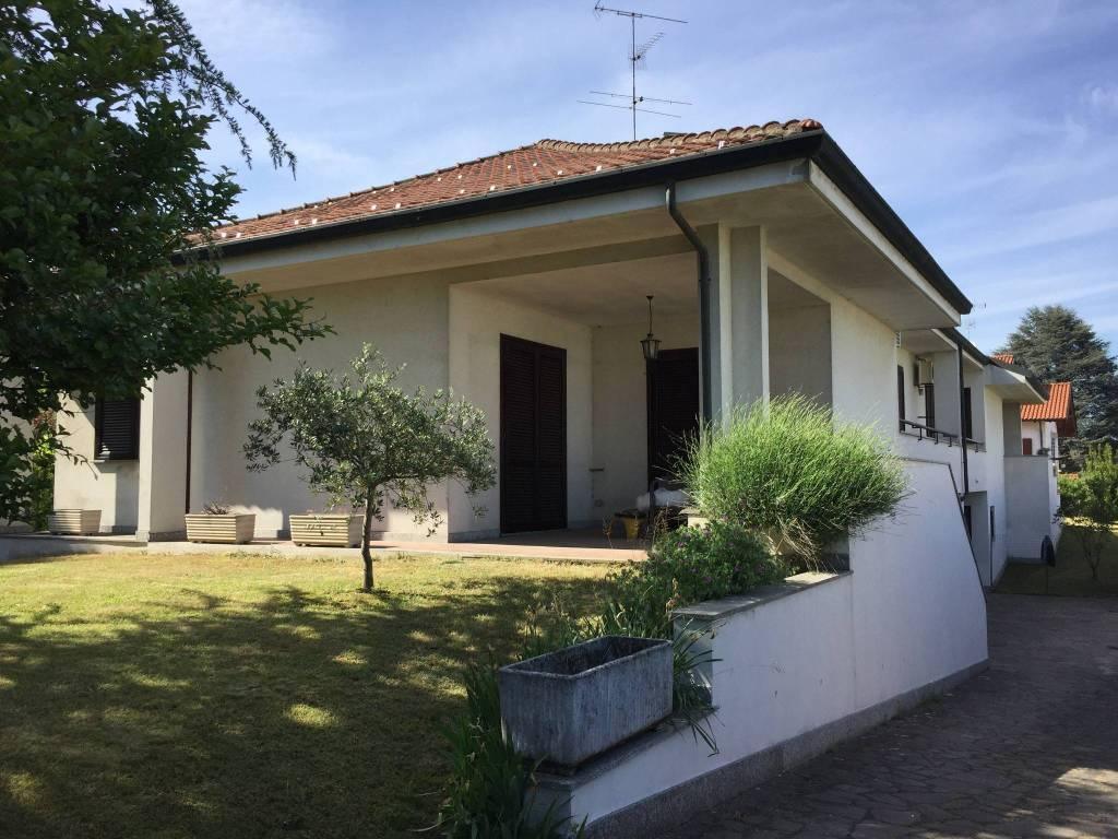 Villa in vendita a Cilavegna, 4 locali, prezzo € 245.000   PortaleAgenzieImmobiliari.it