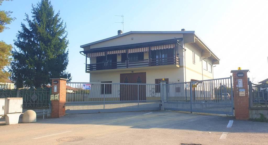 Foto 1 di Casa indipendente via Tazio Nuvolari 4, Santena