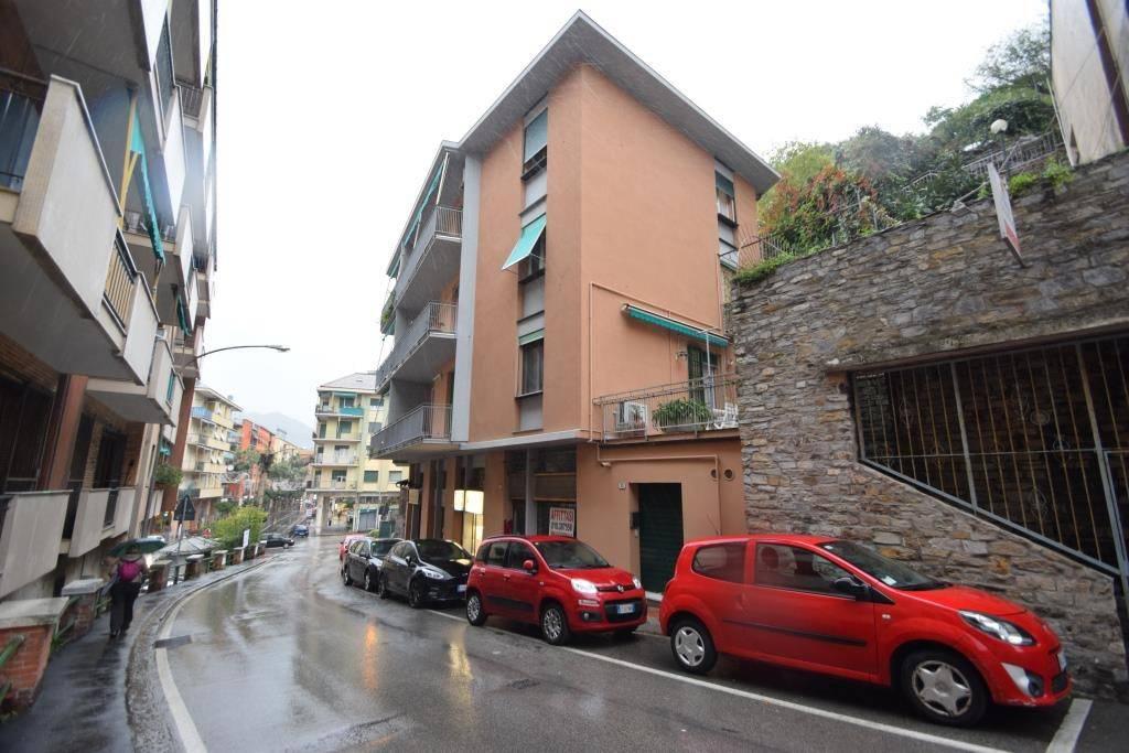 Negozio / Locale in affitto a Recco, 1 locali, prezzo € 600 | CambioCasa.it