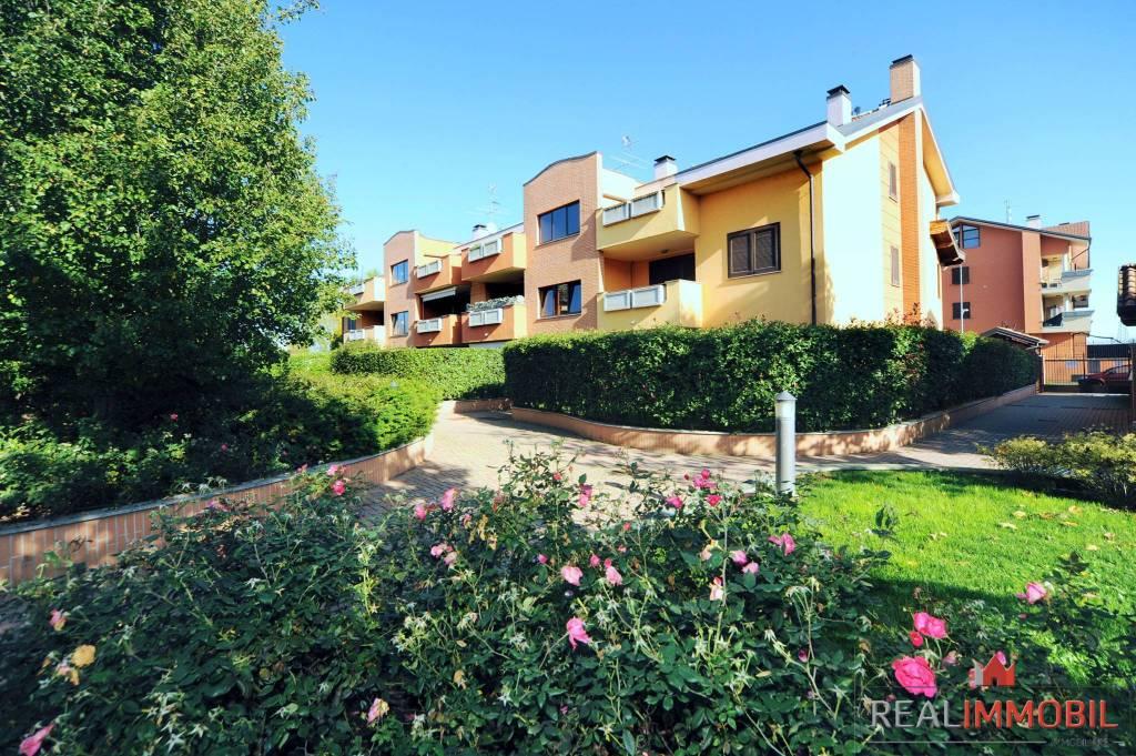 Appartamento in ottime condizioni in vendita Rif. 7296245