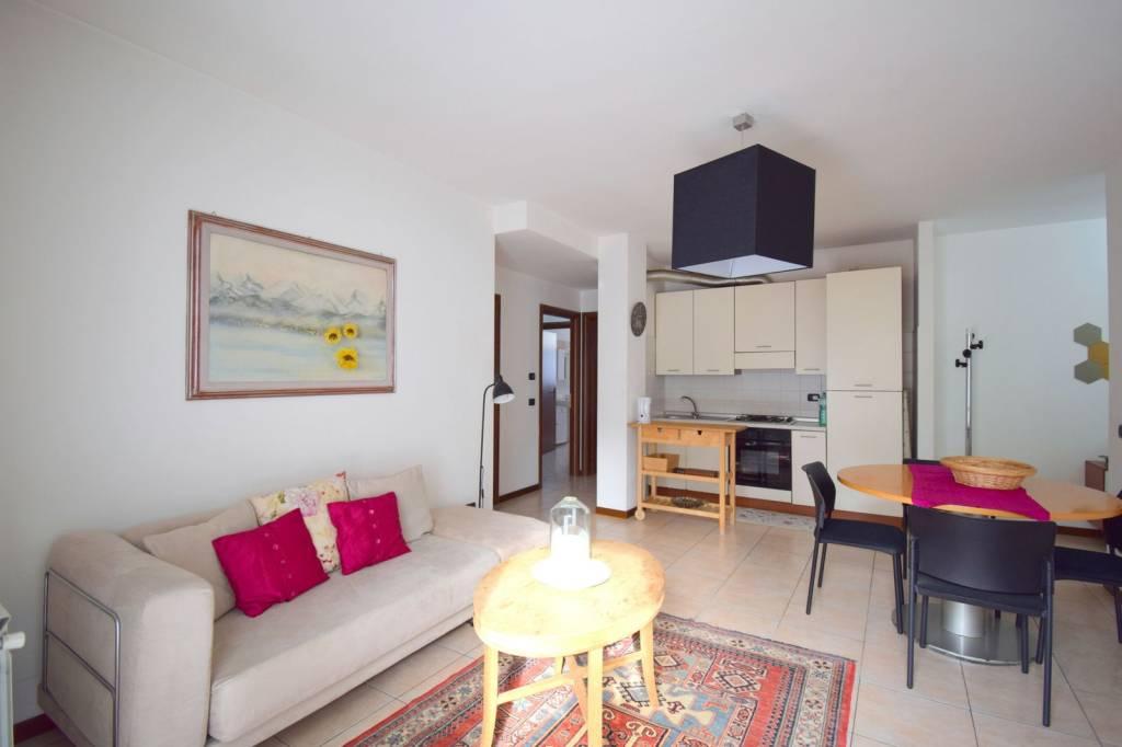 Appartamento in vendita a Castellanza, 3 locali, prezzo € 160.000 | CambioCasa.it