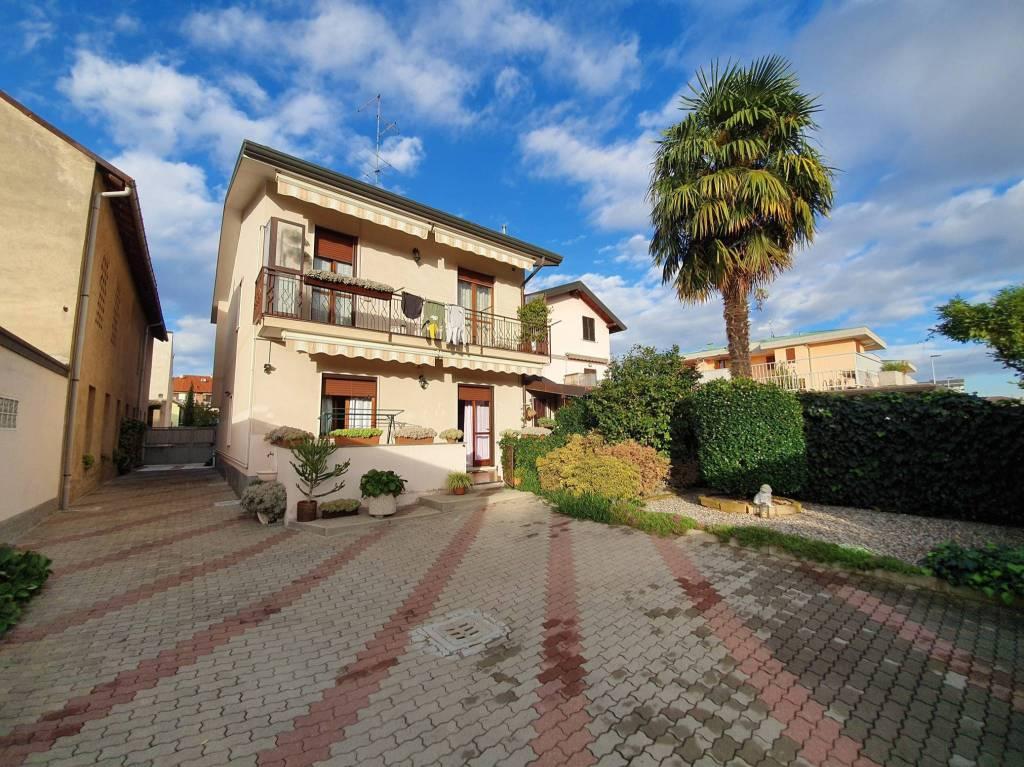 Villa in vendita a Turate, 4 locali, prezzo € 280.000 | PortaleAgenzieImmobiliari.it