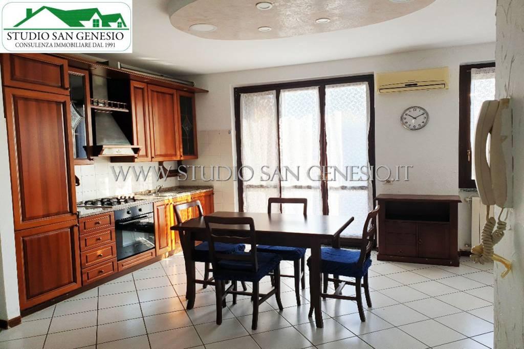 Appartamento in vendita a Lardirago, 3 locali, prezzo € 75.000 | CambioCasa.it