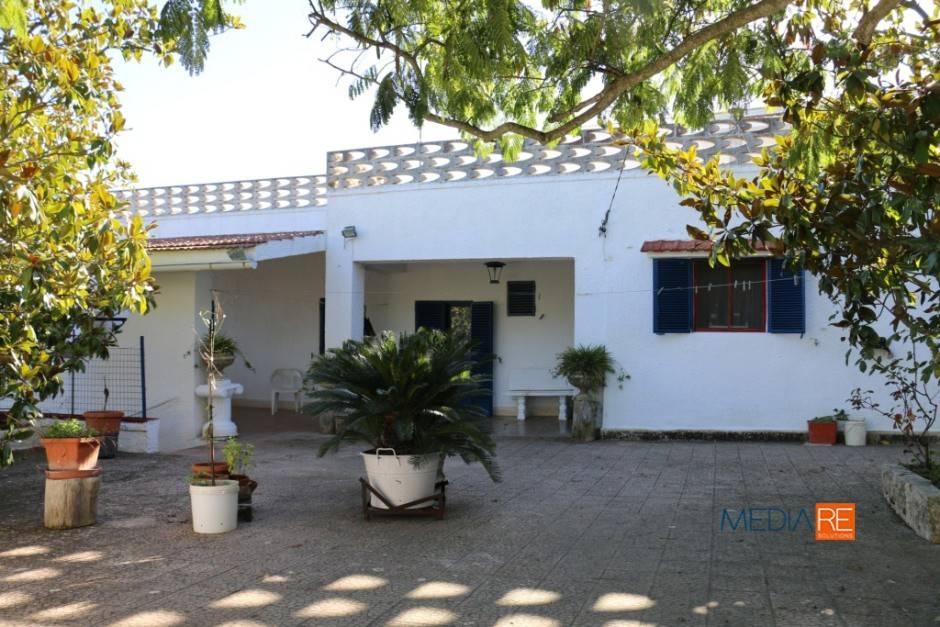 Villa da ristrutturare parzialmente arredato in vendita Rif. 7797967