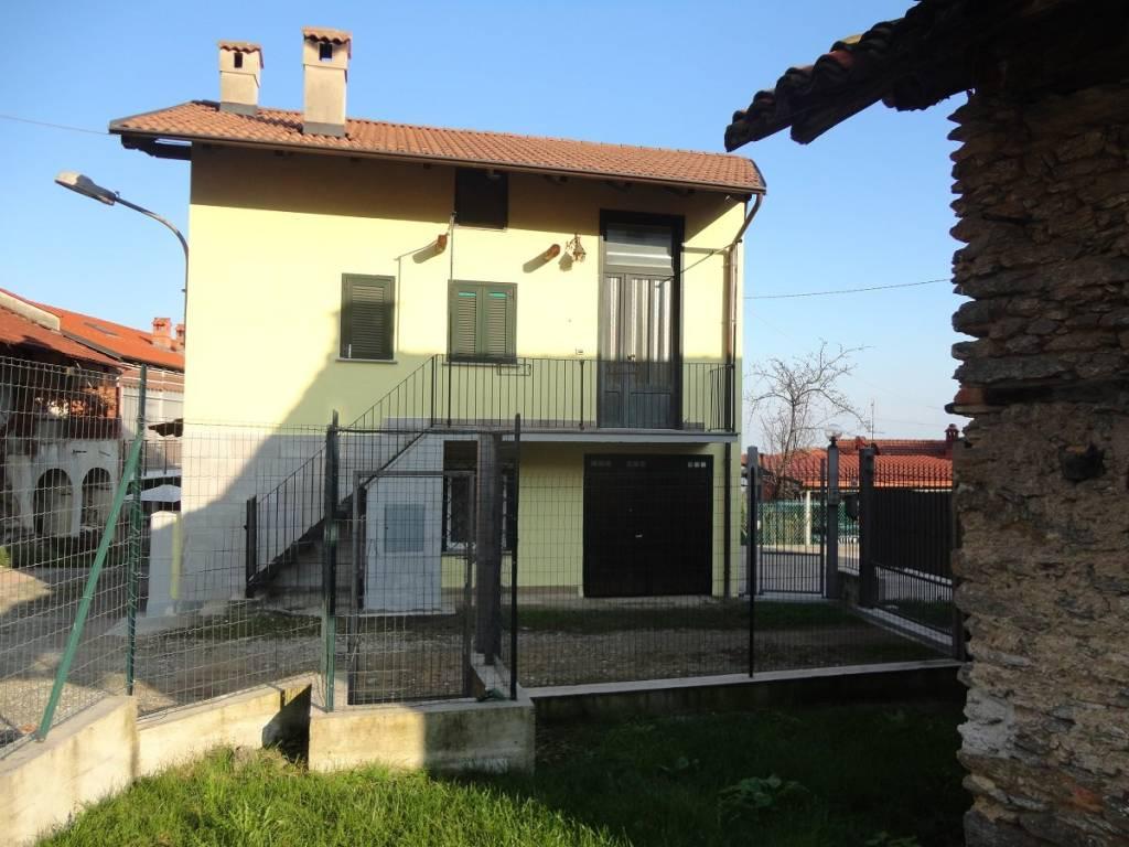 Foto 1 di Rustico / Casale strada del Ciom 73, Cumiana