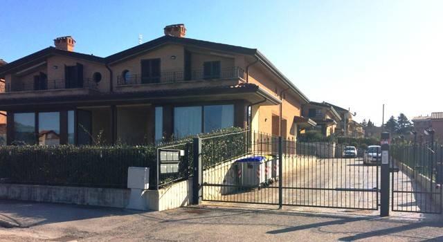 Villa in Vendita a Perugia Periferia Sud: 4 locali, 128 mq