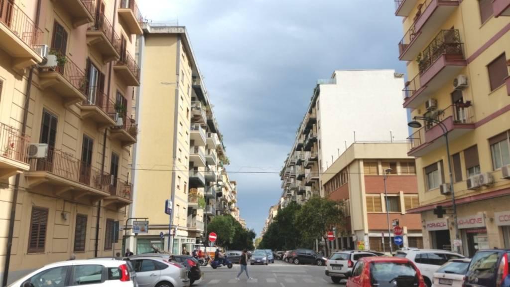 Appartamento in Vendita a Palermo Centro: 5 locali, 154 mq