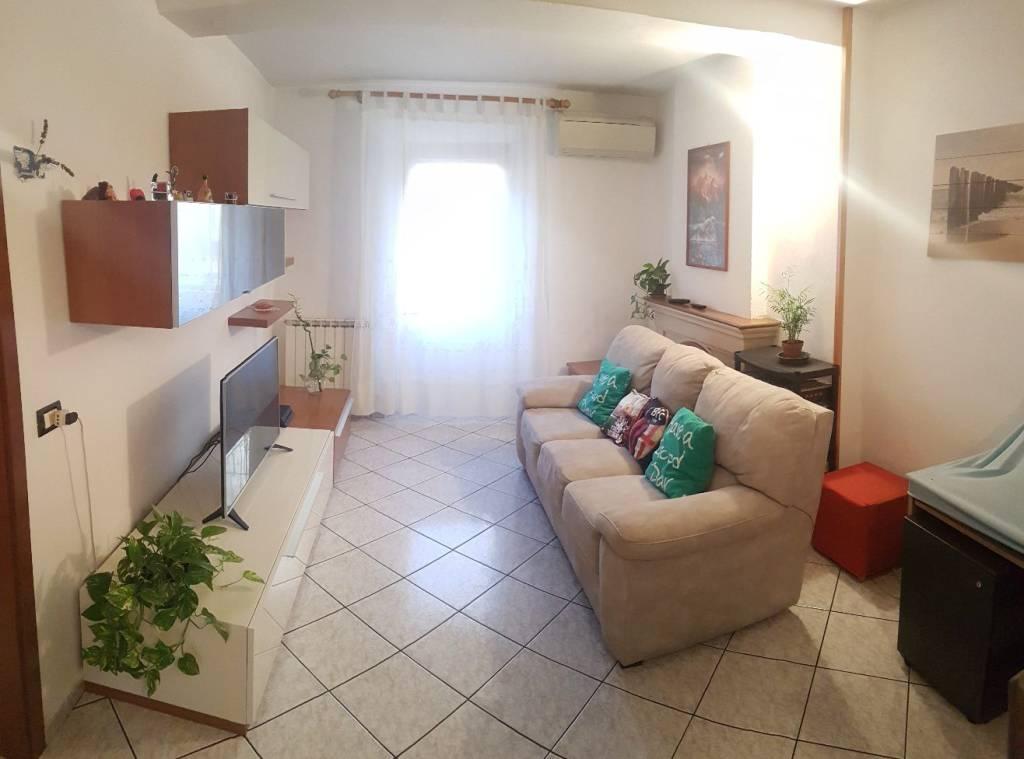 Appartamento in Vendita a San Giovanni In Persiceto Centro: 3 locali, 86 mq